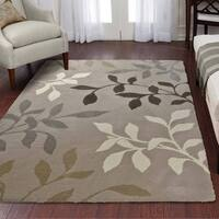 Carolina Weavers Eden Collection Toppling Leaves Beige Area Rug (5'3 x 7'6)