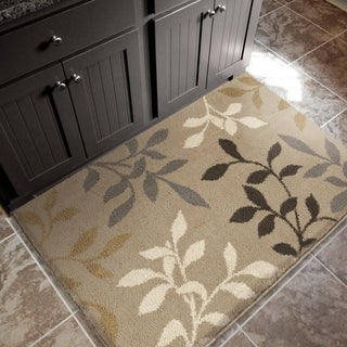 Carolina Weavers Eden Collection Toppling Leaves Beige Accent Rug (2'7 x 3'9)
