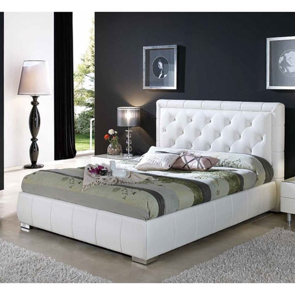 shop cindy tufted white leather king bed free shipping today overstock 10459830. Black Bedroom Furniture Sets. Home Design Ideas