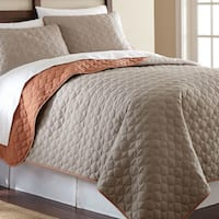 Amrapur Overseas Solid Reversible 3-piece Coverlet Set