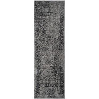 Safavieh Adirondack Vintage Distressed Grey / Black Runner Rug (2'6 x 20') - 2'6 x 20'