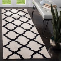 "Safavieh Handmade Cambridge Ivory/ Black Wool Rug - 2'6"" x 16'"