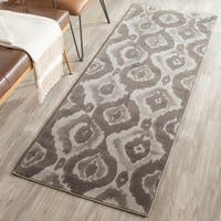 "Safavieh Porcello Abstract Ogee Ivory/ Purple Runner Rug - 2'4"" x 6'7"""