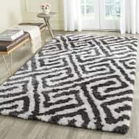 Safavieh Handmade Barcelona Shag Graphite Grey/ White Greek Key Polyester Rug - 5' Square