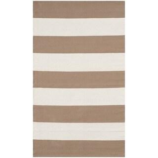 Safavieh Hand-woven Montauk Sand/ Ivory Cotton Rug (2'6 x 4')