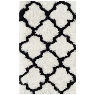 Safavieh Handmade Barcelona Shag White/ Black Trellis Polyester Rug (2'3 x 4')