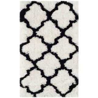 Safavieh Handmade Barcelona Shag White/ Black Trellis Polyester Rug (2' x 3')