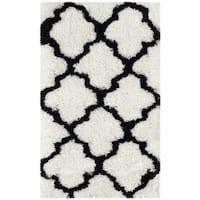 Safavieh Handmade Barcelona Shag White/ Black Trellis Polyester Rug - 2' x 3'