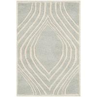 Safavieh Handmade Chatham Grey/ Ivory Wool Rug - 2' X 3'
