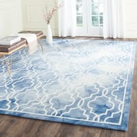 Safavieh Handmade Dip Dye Watercolor Vintage Blue/ Ivory Wool Rug - 9' x 12'