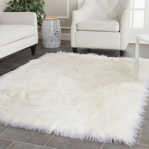 Silver Orchid Russell Handmade Faux Sheepskin Ivory Japanese Acrylic Rug (5' x 7') - 5' x 7'