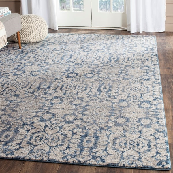 Safavieh Sofia Vintage Damask Blue/ Beige Distressed Rug - 6'7 x 9'2