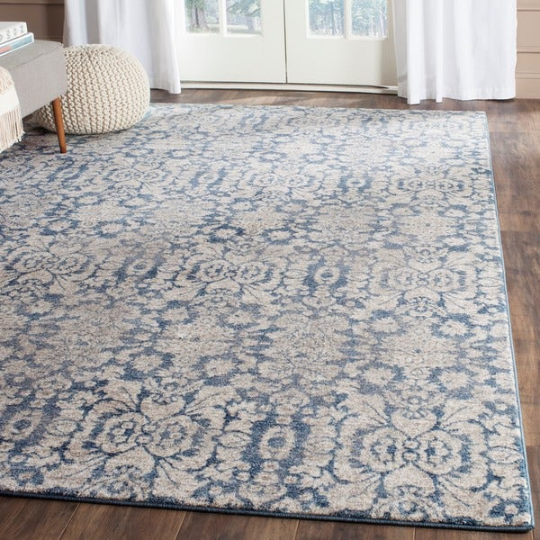 Safavieh Sofia Vintage Damask Blue/ Beige Distressed Rug (6'7 x 9'2)