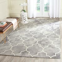 Safavieh Handmade Dip Dye Watercolor Vintage Grey/ Ivory Wool Rug - 6' x 9'