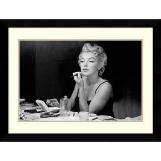 Framed Art Print 'Marilyn Monroe - Back Stage' by Sam Shaw 36 x 27-inch