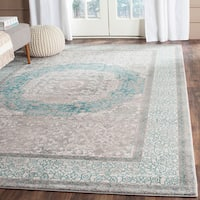 Safavieh Sofia Vintage Medallion Light Grey / Blue Distressed Rug (4' x 5'7)