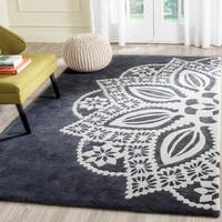 Safavieh Handmade Allure Grey/ Ivory Mandala Wool Rug - 4' x 6'