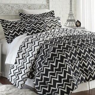 Amraupur Overseas Naty Black Zig-Zag Reversible 5-Piece Comforter Set