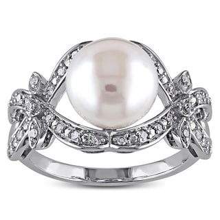 Miadora 10k White Gold Freshwater Pearl and 1/6ct TDW Diamond Ring (G-H,I2-I3)