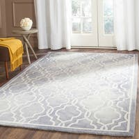 Safavieh Handmade Dip Dye Watercolor Vintage Grey/ Ivory Wool Rug - 5' x 8'