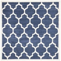 Safavieh Indoor/ Outdoor Amherst Navy/ Beige Rug - 5' x 5' square