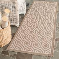 Safavieh Courtyard Honeycomb Brown/ Bone Indoor/ Outdoor Rug - 2'3 x 6'7