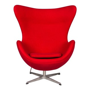 LeisureMod Modena Red Wool Upholstered Chair