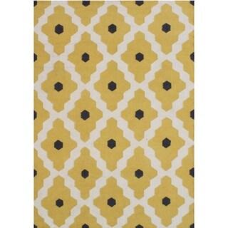 Alliyah Handmade Yellow, Black, and Cloud Cream Flat Weave Wool Rug (5' x 8')