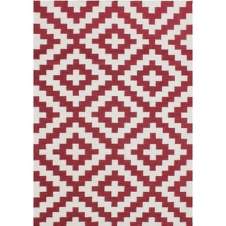 Alliyah Handmade Red Flat Weave Wool Rug (5' x 8')