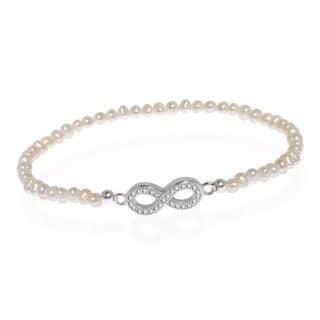 Handmade Infinity White Pearl Sterling Silver Stretch Bracelet (Thailand)