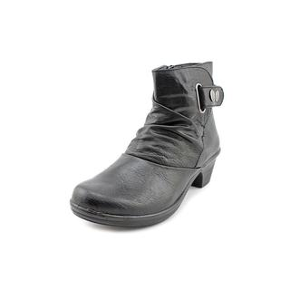 Easy Street Women's 'Wynne' Faux Leather Boots
