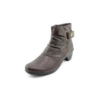 Easy Street Women's 'Wynne' Faux Leather Boots