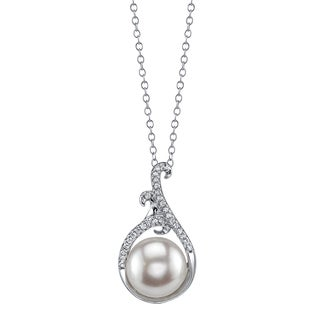 Radiance Pearl Sterling Silver White Freshwater Pearl and Crystal Pendant (9-10mm)