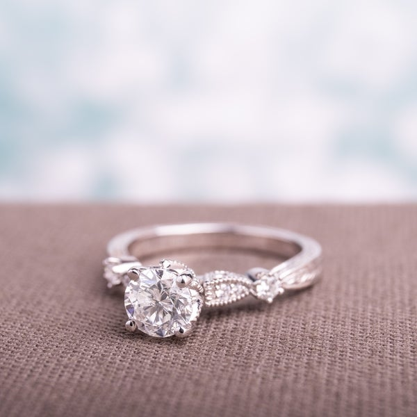 Miadora Signature Collection 14k White Gold 1 1/4ct TDW Vintage Solitaire Diamond Ring. Opens flyout.