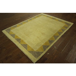 Traditional Super Gabbeh Oriental Ivory Hand-knotted Wool Area Rug (5' x 6')