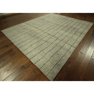 New Unique Abstract Grey Hand-knotted Rabbat Moroccan Wool Area Rug (8' x 10')
