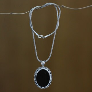 Midnight Lace Handmade Artisan Fashion Accessory Sterling Silver Onyx Gemstone Oval Black Jewelry Pendant Necklace (Indonesia)