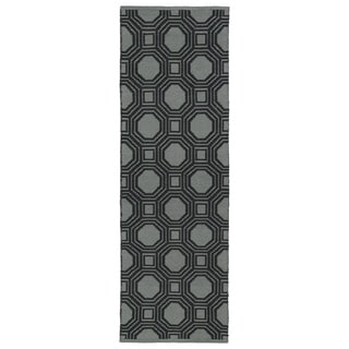 Indoor/Outdoor Laguna Grey and Black Geo Flat-Weave Rug (2'0 x 6'0) - 2' x 6'