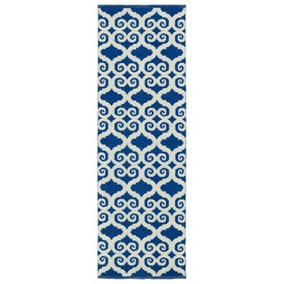 Indoor/Outdoor Laguna Navy and Ivory Scroll Flat-Weave Rug (2'0 x 6'0)