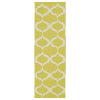 Indoor/Outdoor Laguna Yellow and Ivory Geo Flat-Weave Rug (2'0 x 6'0) - 2' x 6'