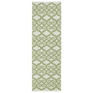 Indoor/Outdoor Laguna Ivory and Green Scroll Flat-Weave Rug (2'0 x 6'0) - 2' x 6'