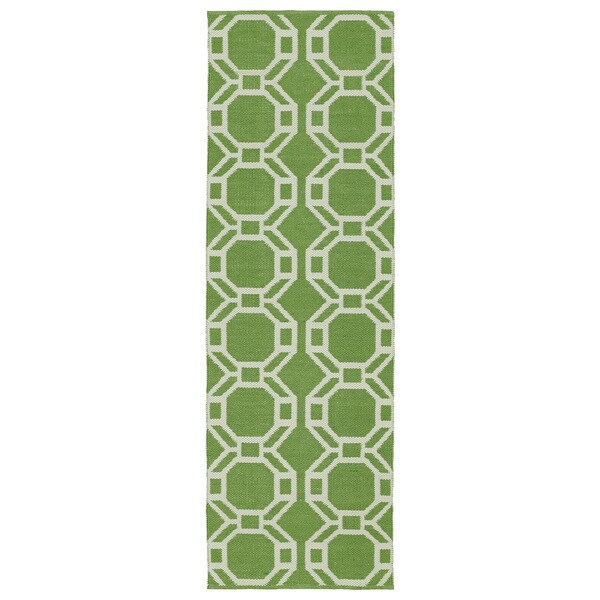 Indoor/Outdoor Laguna Lime and Ivory Geo Flat-Weave Rug - 2' x 6'