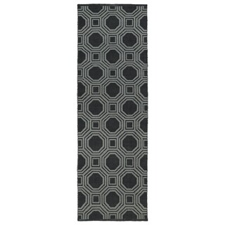 Indoor/Outdoor Laguna Black and Grey Geo Flat-Weave Rug (2' x 6')