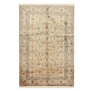 Hand-knotted Silk Ivory Traditional Oriental Kashmir Rug (5'6 x 8'1)
