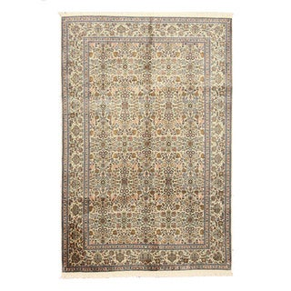 Hand-knotted Silk Ivory Traditional Oriental Kashmir Rug (6'1 x 9'1)