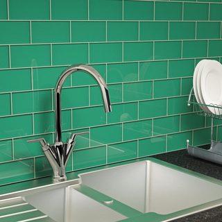 Emerald Green Subway 5.5 Square Foot Tiles (44 Pieces per Unit)