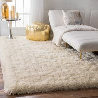 nuLOOM Solid Soft and Plush White/ Grey Shag Rug (5' x 8') - 5' x 8'