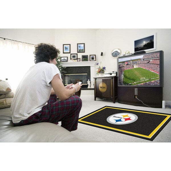 Fanmats Pittsburgh Steelers Black Nylon Area Rug (4' x 6')