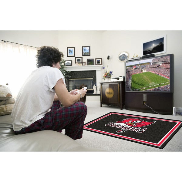 Fanmats Tampa Bay Buccaneers Black Nylon Area Rug (4' x 6')