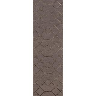Hand-hooked Carolyn Raisin/ Coffee Lattice Rug (2'3 x 7'6)